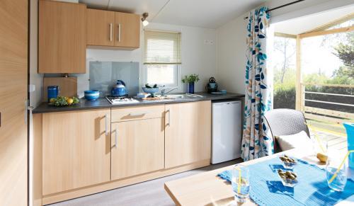 Salon cuisine moderne et bien agence